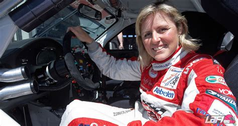 Current top gear presenter paddy mcguinness added brilliantly bonkers and an amazing human being! Chris Harris y Sabine Schmitz suenan para Top Gear ...