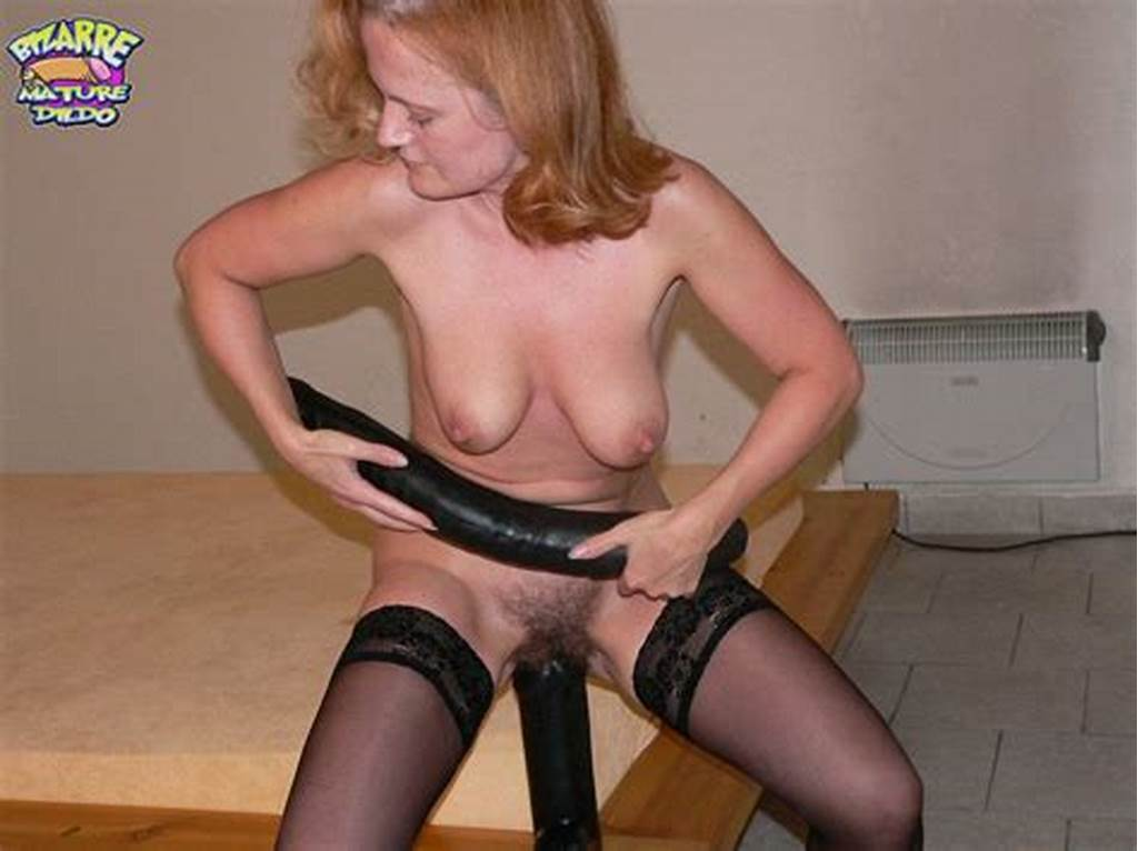 #Kinky #Matue #Slut #Stuffing #Her #Cunt #With #A #Huge #Toy